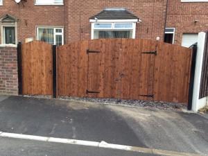 wood-drive-gates-2